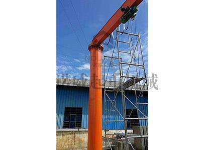 Fixed column cantilever crane
